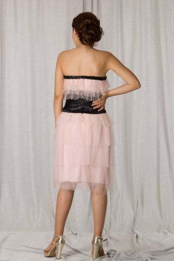 shecca - Многослойное пудровое вечернее платье без бретелек (1)