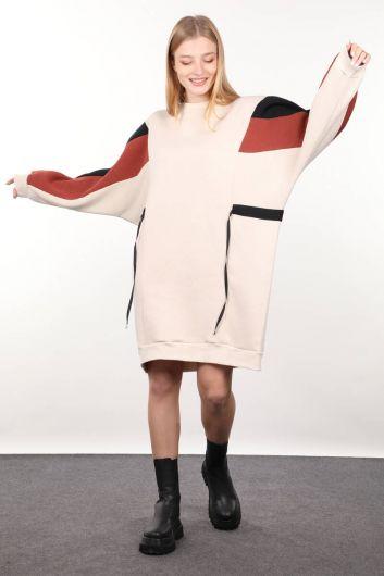 Бежевое платье-свитер с украшением для женщин - Thumbnail