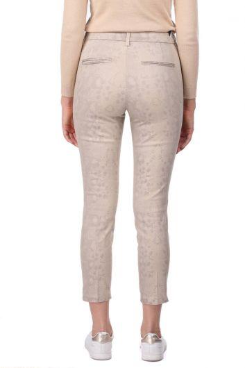 Бежевые женские джинсовые брюки с рисунком - Thumbnail