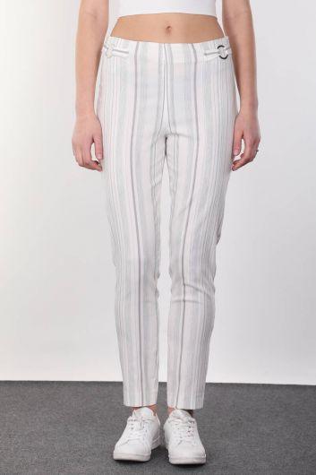 Струящиеся женские брюки в полоску с пряжкой на поясе - Thumbnail