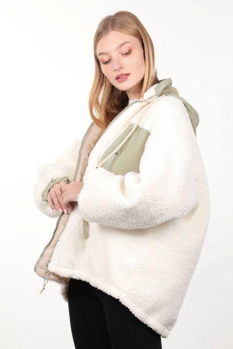 Beyaz Astarlı Cep Detaylı Peluş Oversize Kadın Mont