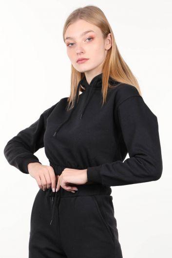 MARKAPIA WOMAN - سويت شيرت أسود نسائي قصير بغطاء للرأس (1)