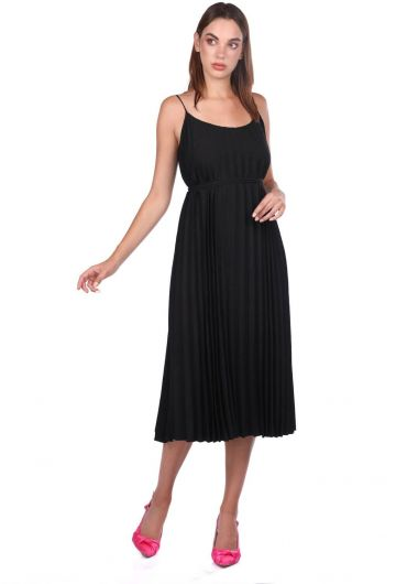 Черное прямое платье-гармошка на бретелях - Thumbnail