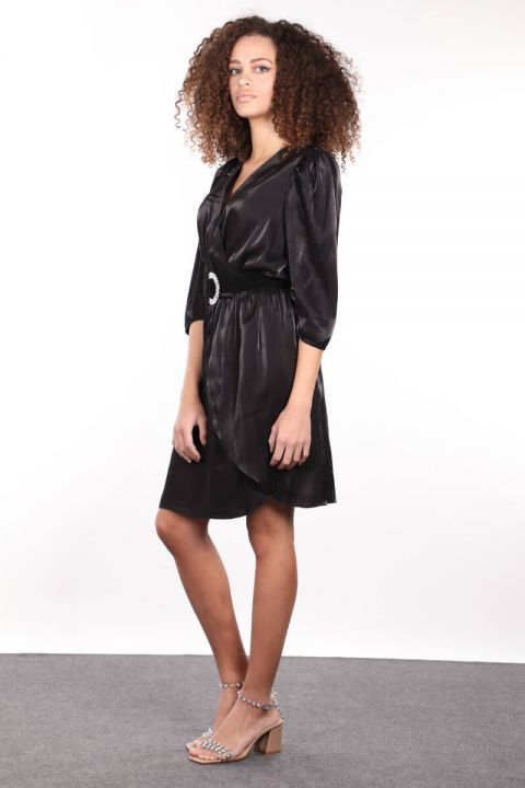 Черное двубортное женское платье с эластичной резинкой на талии