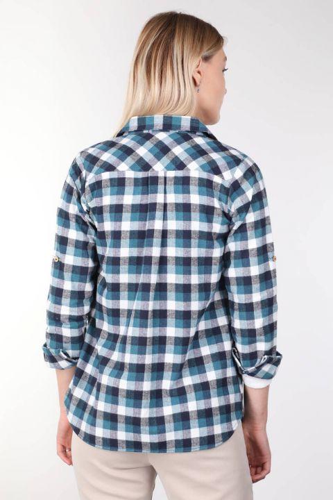 قميص نسائي أزرق منقوش