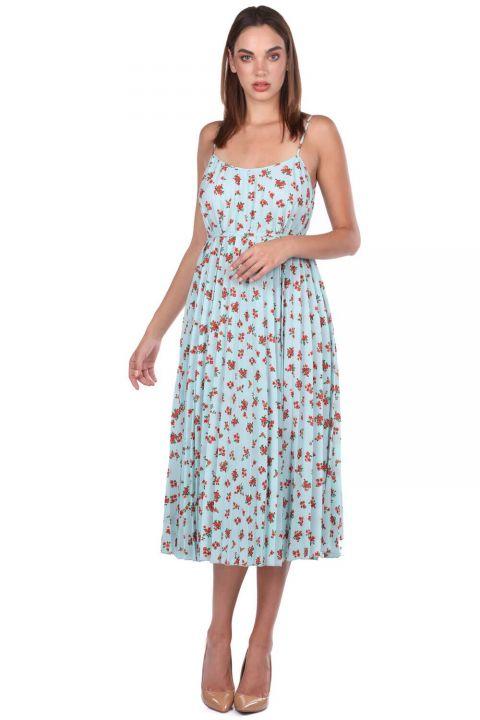 Синее платье-аккордеон на тонких бретельках с цветочным узором