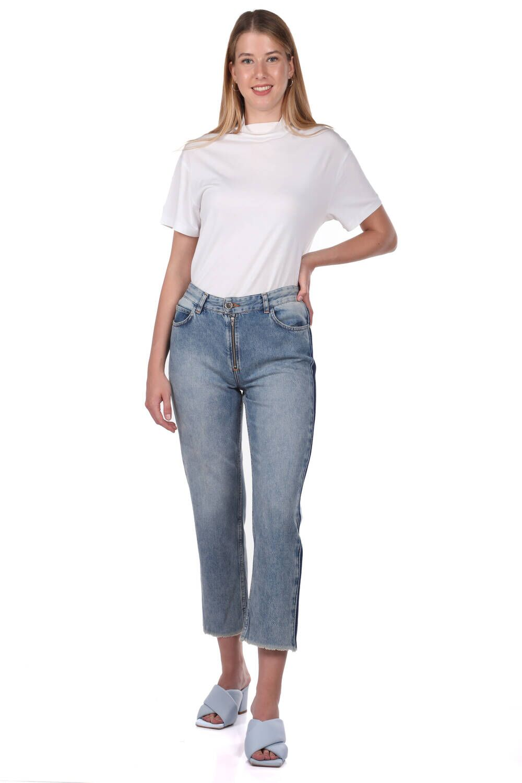 Blue White Kadın Kesik Paça Şeritli Jean Pantolon