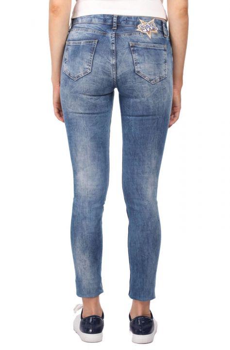 Blue White Kadın Desenli Yırtık Jean Pantolon