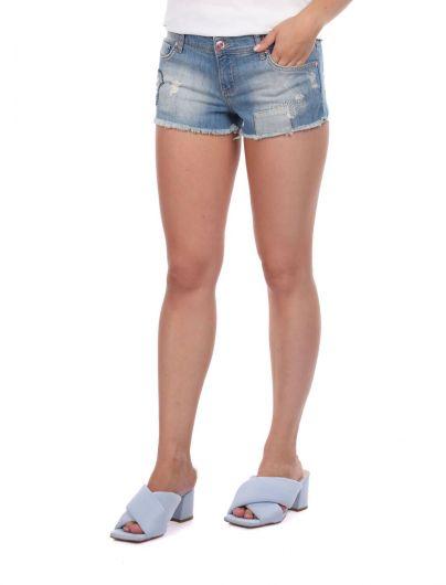 BLUE WHITE - شورت جينز نسائي أزرق أبيض (1)