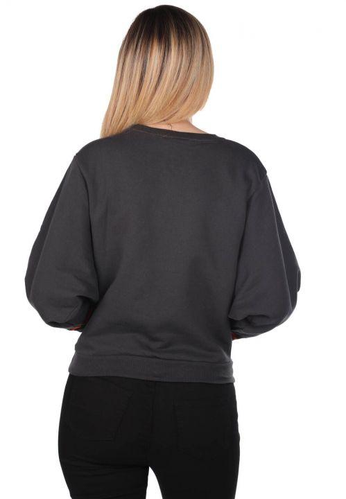 Синий-белый женский свитшот с круглым вырезом