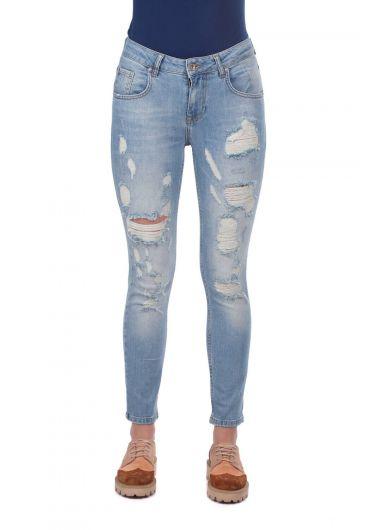 BLUE WHITE - بنطلون جينز أزرق أبيض نسائي ممزق (1)