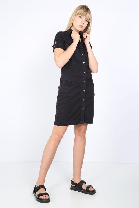 Женское черное джинсовое платье на пуговицах
