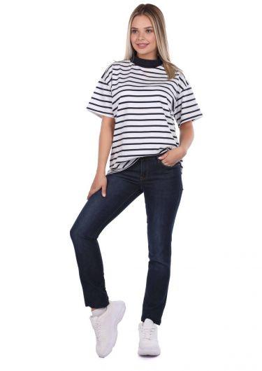 Темные джинсовые брюки стандартного кроя - Thumbnail