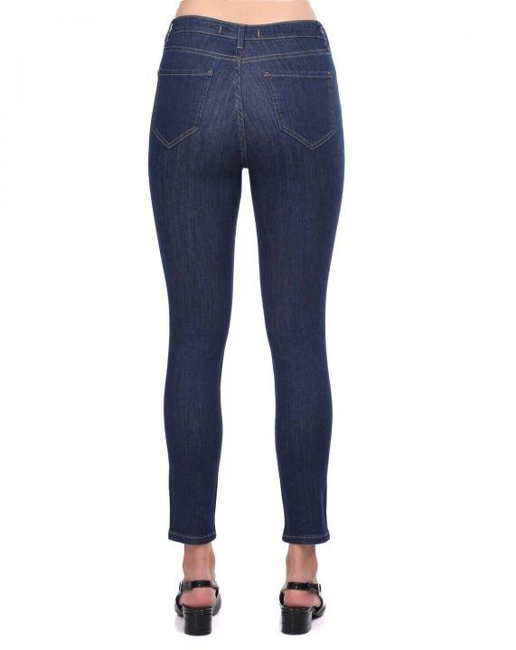 Синие белые женские темные джинсовые брюки со средней талией