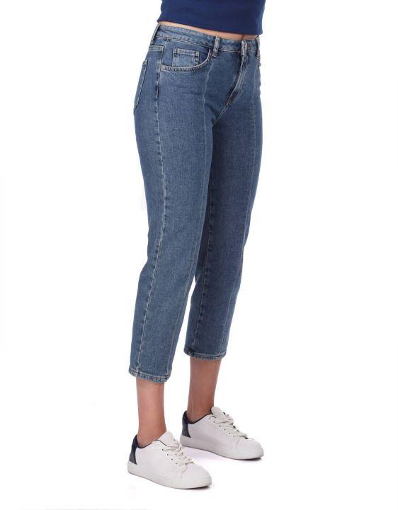 Сине-белые женские джинсовые брюки в полоску