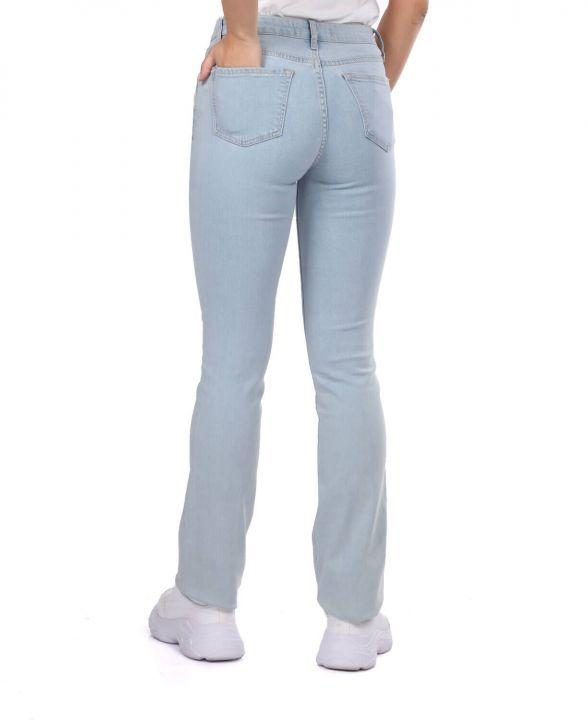 Голубые белые женские легкие джинсовые брюки стандартного кроя