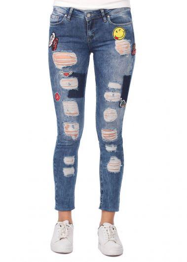 بنطلون جينز ممزق أزرق أبيض نسائي - Thumbnail