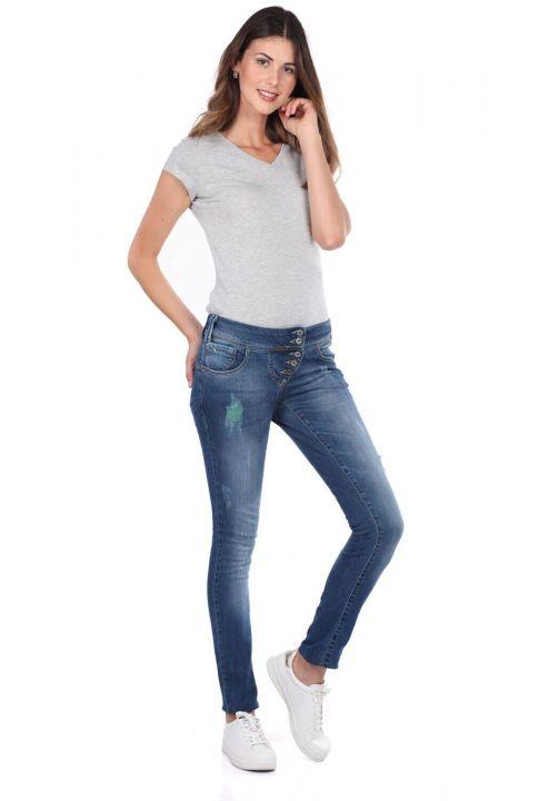 بنطلون جينز فضفاض مكون من 5 أزرار من بلو وايت للنساء