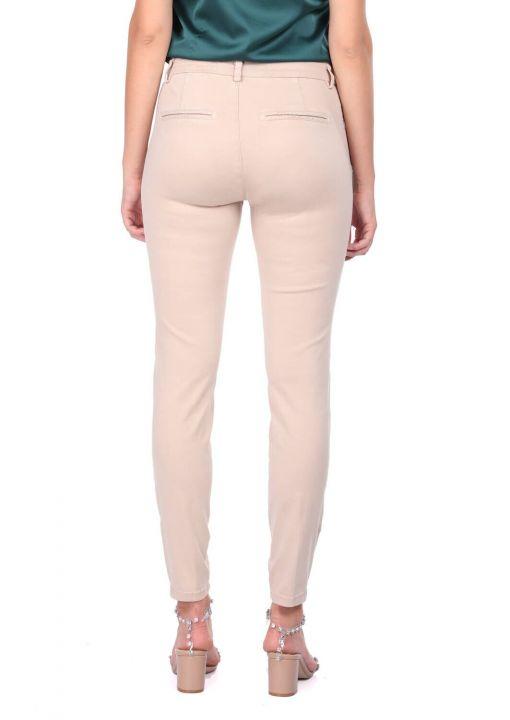 بنطلون جينز نسائي أزرق أبيض إكرو