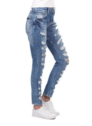 BLUE WHITE - بنطلون جينز أزرق أبيض نسائي ممزق غامق (1)