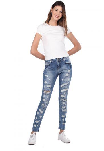 بنطلون جينز أزرق أبيض نسائي ممزق غامق - Thumbnail
