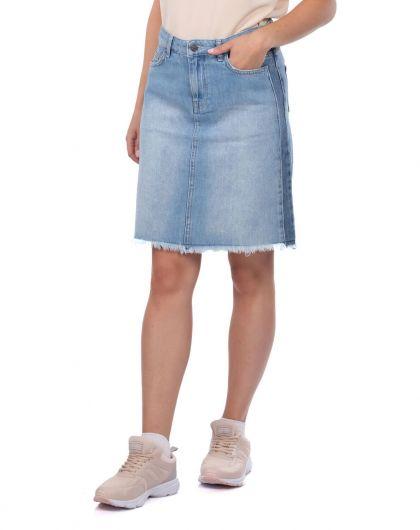 BLUE WHITE - تنورة جينز نسائية زرقاء وبيضاء (1)