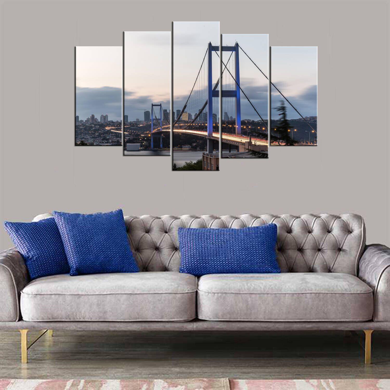 Стол из МДФ из 5 частей с видом на мост