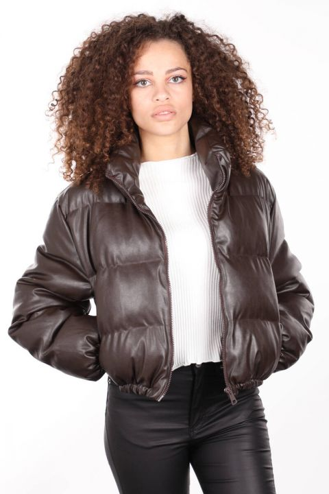 براون زيبر قصير المرأة جلد أسفل معطف
