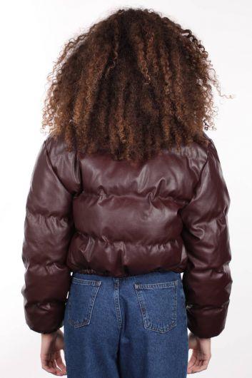 MARKAPIA WOMAN - معطف منفوخ جلدي قصير بسحّاب عنابي اللون للنساء (1)