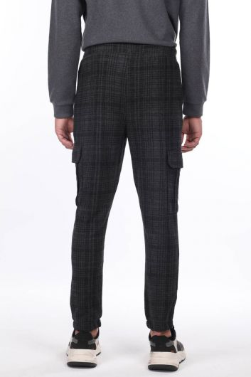 Men's Plaid Trousers With Cargo Pockets - Thumbnail