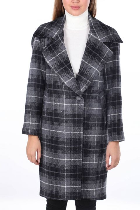 Plaid Patterned Cachet Coat