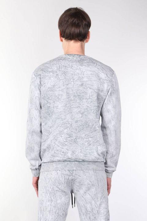 قميص من النوع الثقيل للرجال بياقة دائرية مع جيوب