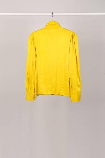 Женская рубашка с желтым воротником и завязками - Thumbnail