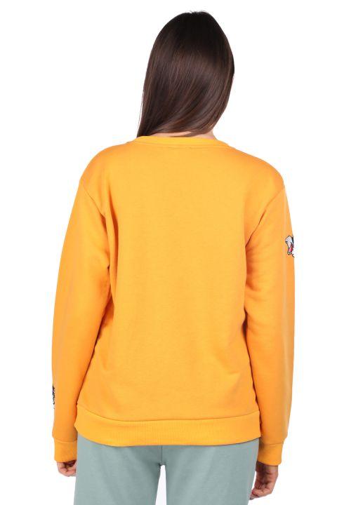 سويت شيرت أصفر مطرز بطبعة كرتونية للنساء