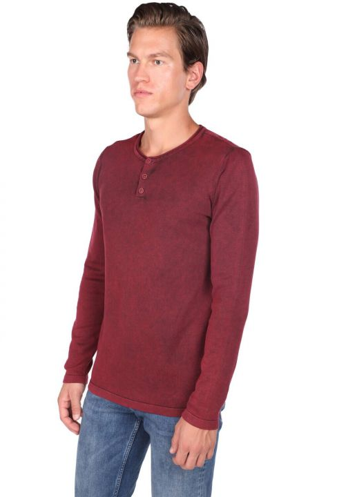 قميص من النوع الثقيل بياقة مستديرة وأزرار للرجال