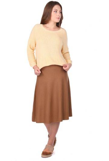 Желтый женский трикотажный свитер с круглым вырезом - Thumbnail