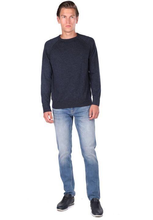 Трикотажный мужской свитер с круглым вырезом