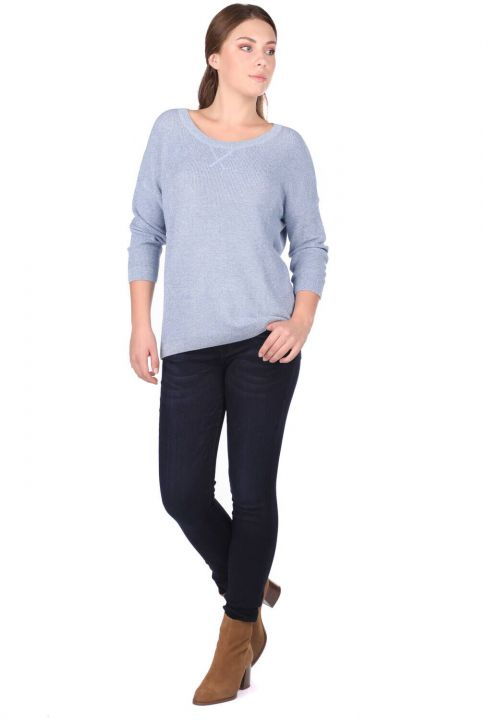 Трикотажный женский свитер с круглым вырезом