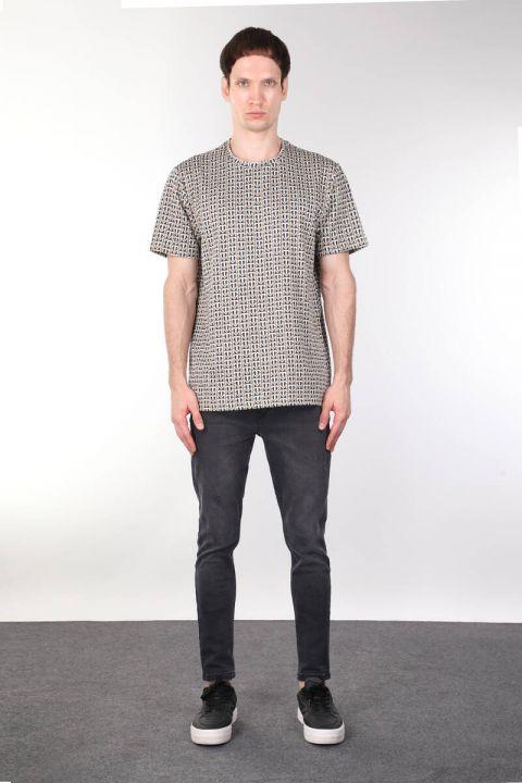 Толстая мужская футболка с круглым вырезом и узором