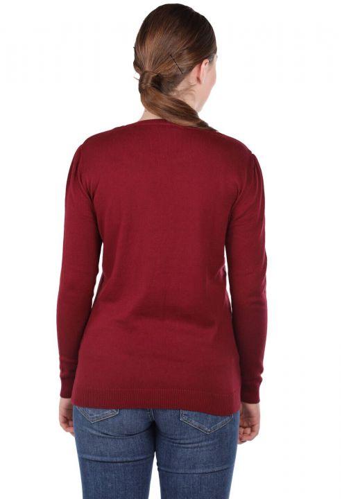 Бордовый женский свитер из тонкого трикотажа с круглым вырезом