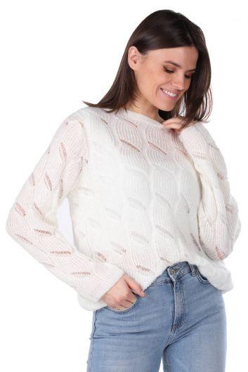 Трикотажный женский вязаный свитер цвета экрю - Thumbnail