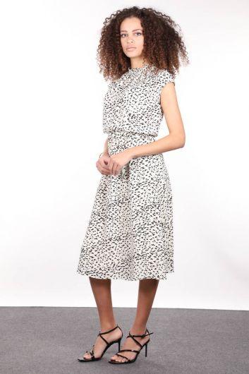 MARKAPIA WOMAN - Ekru Desenli Yakası Lastikli Fırfırlı Kolsuz Kadın Elbise (1)