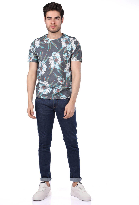 Erkek Çiçek Desenli T-Shirt