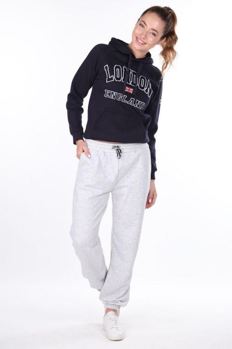 Серые женские спортивные штаны на плоской резинке