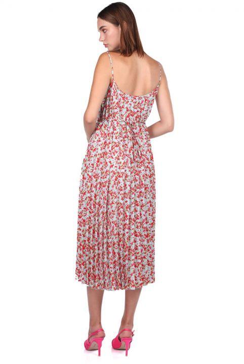 Платье-гармошка с узором на тонких бретелях и цветочным узором