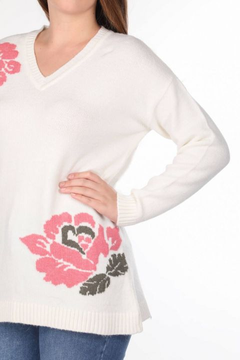 FLORAL V-NECK KNIT SWEATER