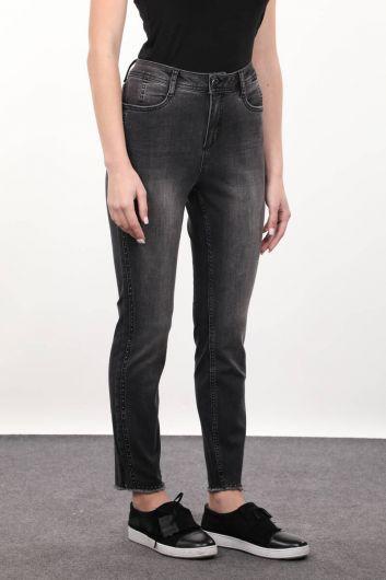 Женские джинсовые брюки с деталями из дымчатого камня - Thumbnail