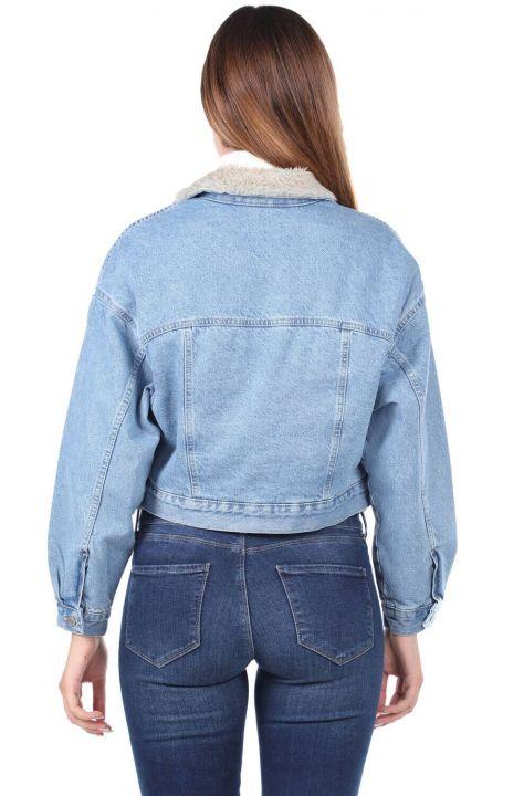 جاكيت جينز كبير الحجم مع فرو