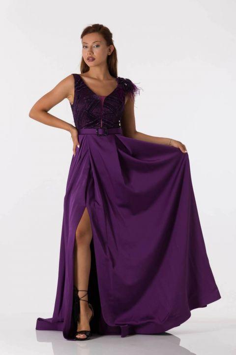 فستان سهرة طويل بنفسجي مع حزام تفاصيل الكتف