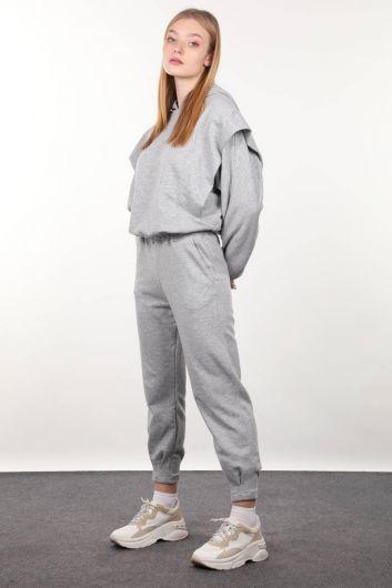 MARKAPIA WOMAN - Серый спортивный костюм с капюшоном и стеганой подкладкой (1)